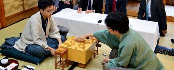 豊島王位が誕生した王位戦や、佐藤名人が初優勝した銀河戦など5つの注目対局を棋譜付きで振り返ろう【注目対局プレイバック 2018年9月下旬】