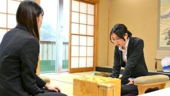 里見香奈が谷口由紀に勝って四冠維持。大逆転もあった、倉敷藤花戦三番勝負を振り返る