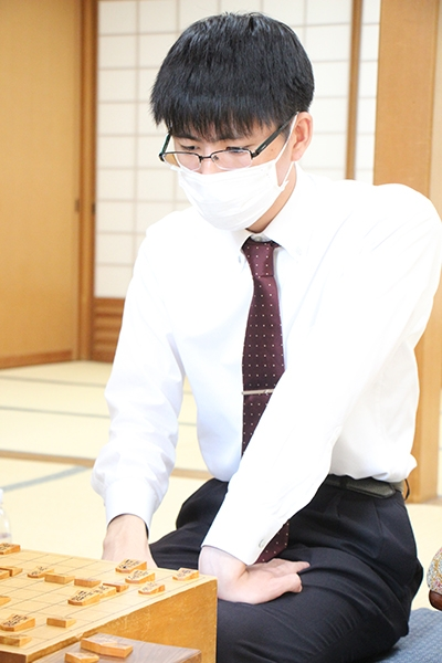 52shinjin_outlook-02.jpg