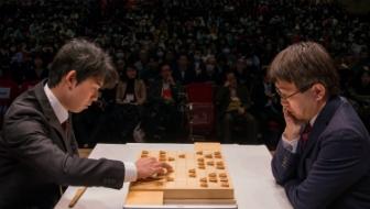 藤井聡太六段が羽生善治竜王を破って史上最年少優勝。朝日杯準決勝・決勝での絶妙手とは?