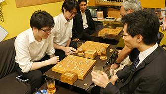 飲食メニューも緩手なし!会社帰りに楽しめる、囲碁将棋喫茶「樹林」をご紹介