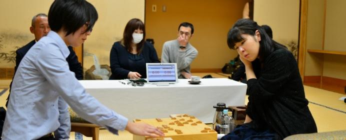 里見香奈がまた防衛か、伊藤沙恵が初タイトル獲得か。女流名人戦五番勝負の展望は?