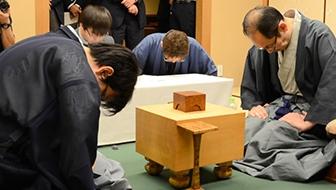 46歳悲願の初タイトル、木村一基九段が刻んだ新たな歴史。王位戦第7局観戦記