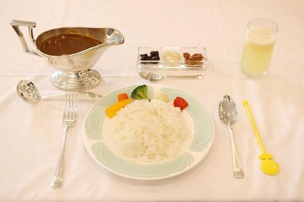 oui67-3_meal02.jpg