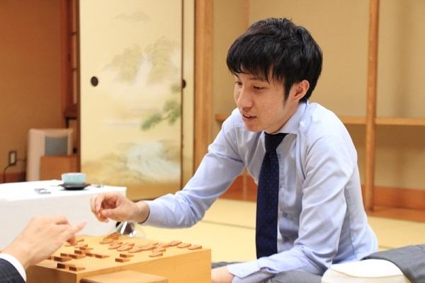 playback10-2_shinjin-ou2.jpg