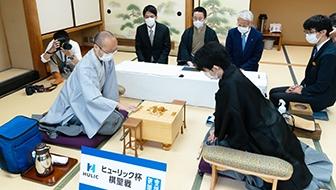 藤井聡太棋聖、史上最年少17歳でのタイトル獲得