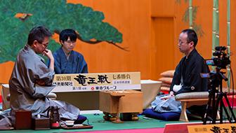 渡辺VS羽生、竜王戦第一局を観戦する子どもたちは何を感じたのか【将棋と教育】