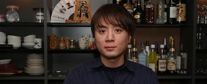 プロ棋士もプライベートで訪れる。イケメン元奨励会員が経営する「将棋BAR~wars~」その人気の理由は?