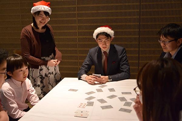 クリスマスフェスタ2017 カードゲームをする中村王座