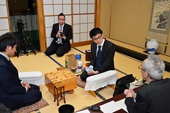 第43期棋王戦挑戦者決定二番勝負第2局、対局終了後の模様