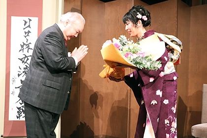 第7期リコー杯女流王座就位式の模様_07