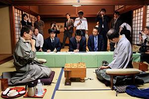第57期王位戦七番勝負第6局は羽生王位が勝ち、3勝3敗のタイに|将棋 ...